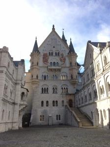 Vom Innenhof des Schlosses
