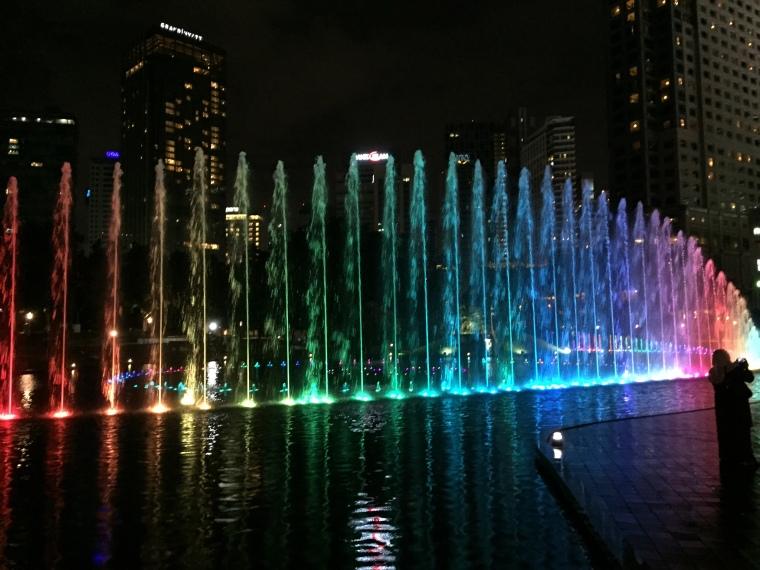 Die Wasserlichtspiele bei Nacht