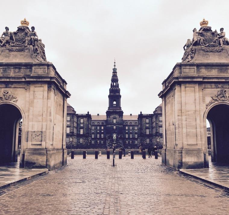 Die Christiansborg im Herzen von Kopenhagen